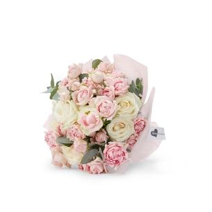 love roseonly全新鲜花手捧上市 唤醒夏日里纯真的爱