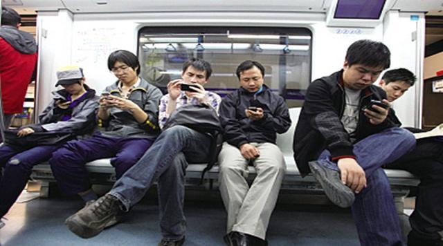 为什么手机越用越卡竟是因为这些原因教你几招让手机不再卡顿【生活热点】