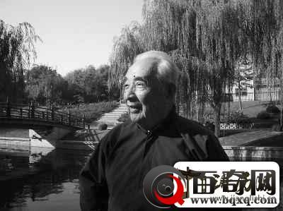 94岁文艺战士忆抗战曾目击遭遇战日机坠农田